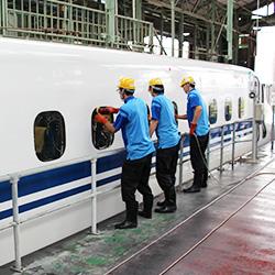 新幹線車両清掃整備